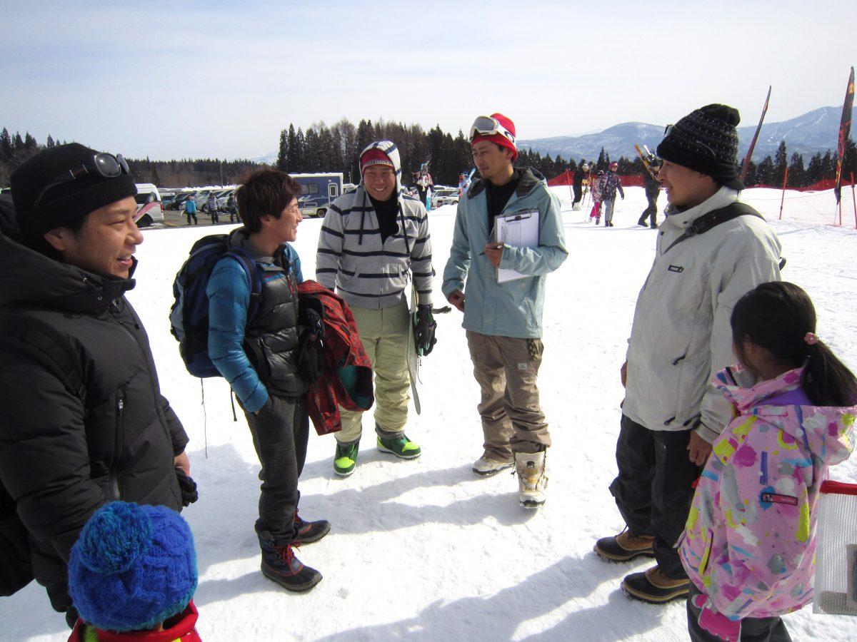 天気は快晴!ちなみに滝田副委員長(中央)はメンバーへの交流事業の案内で、当日の晴天を予想していました。