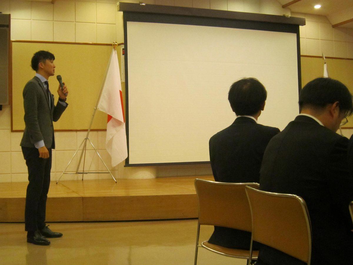 山崎副理事長より、大山様への謝辞が述べられました。学ばせていただいたものも多く、メンバー1人1人に充実感がありました。