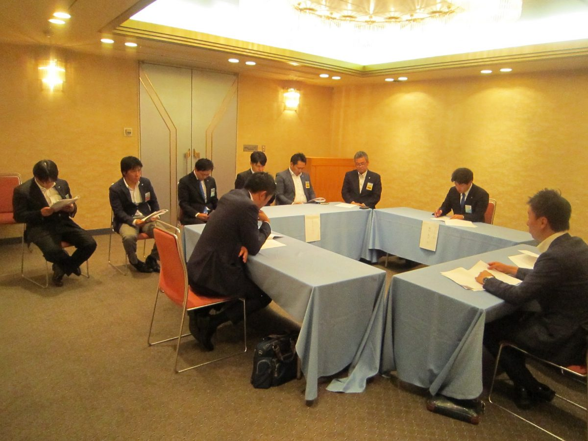 上越、長野、みゆき野、そして妙高の4つの青年会議所の連携強化のため、熱い議論が交わされました。