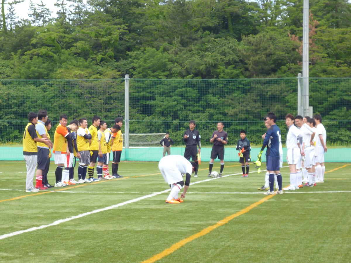 いよいよ第1試合、燕三条JCチームとの試合が始まります!