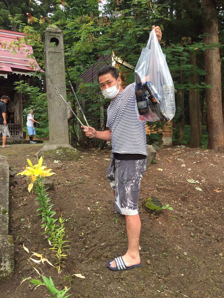 大きめのゴミをたくさん集めていた太田副委員長です。
