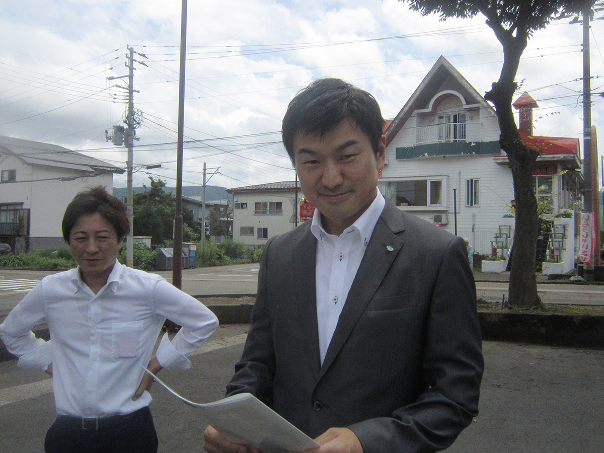 本日のアテンドは、村越委員長率いる総務委員会です。これより会場へ移動します。