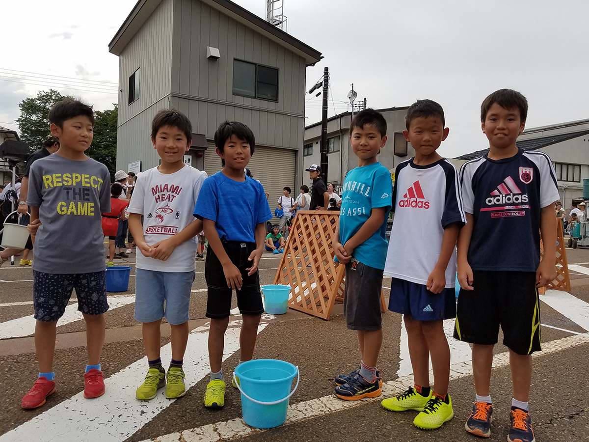 小学生の部は同じ学校や習い事の仲間など、学年を問わず様々な子供達に参加していただきました。
