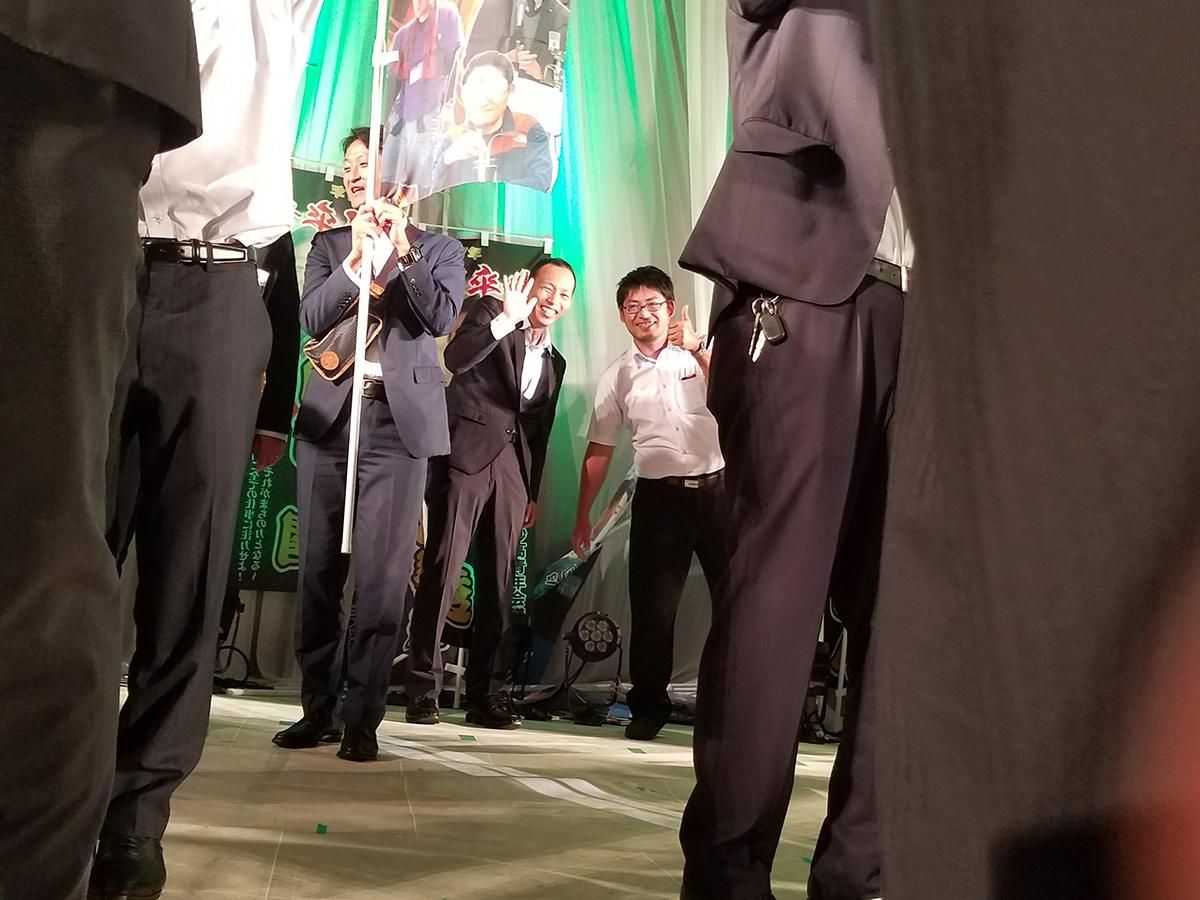 市川監事と廣島副委員長(中央)です!