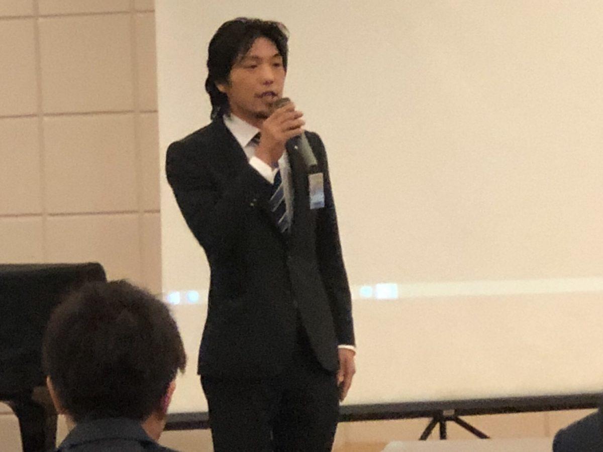 今回の趣旨を熱く説明する総務委員会横尾委員長