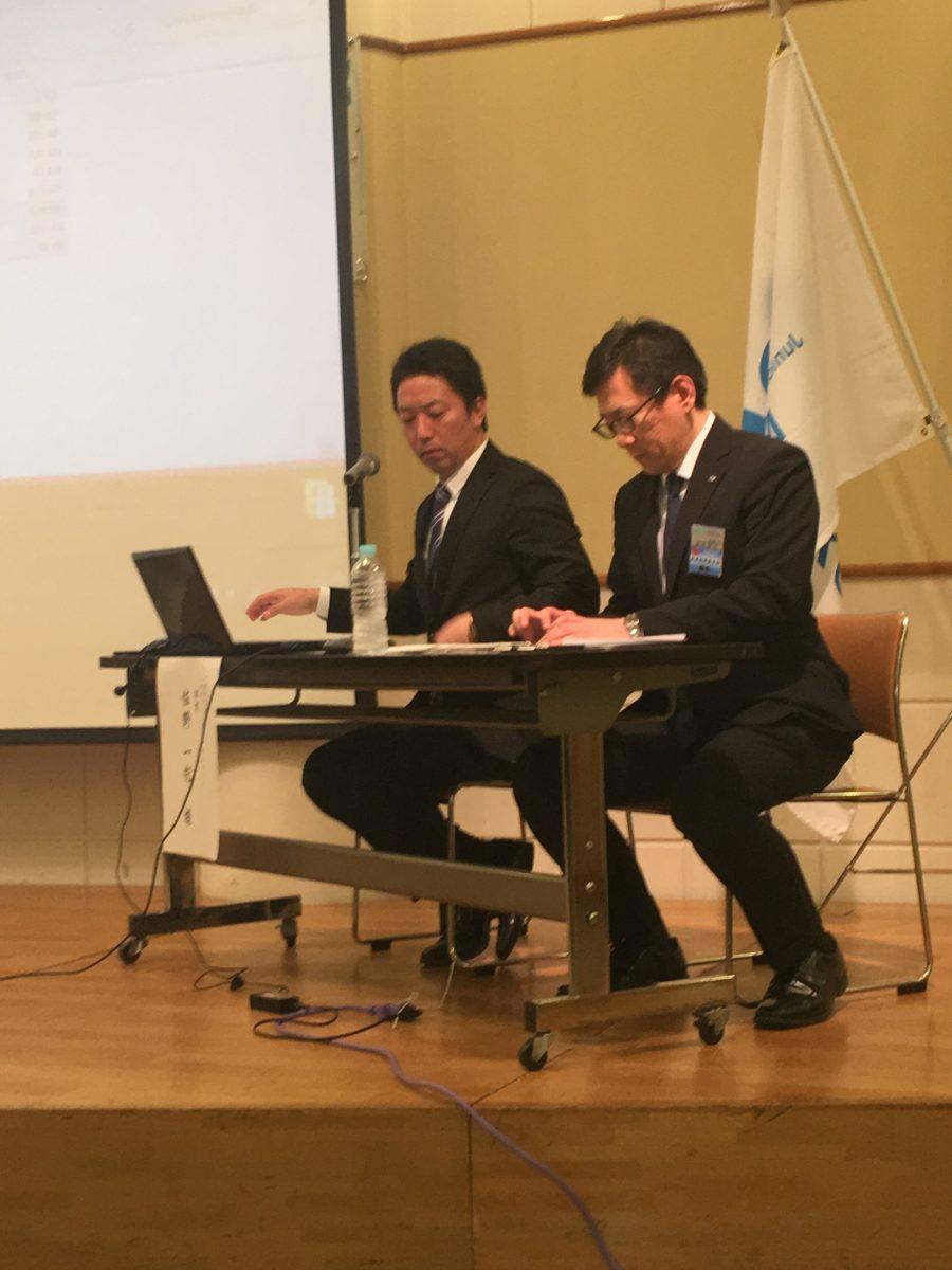 講師の佐野先輩と田中委員