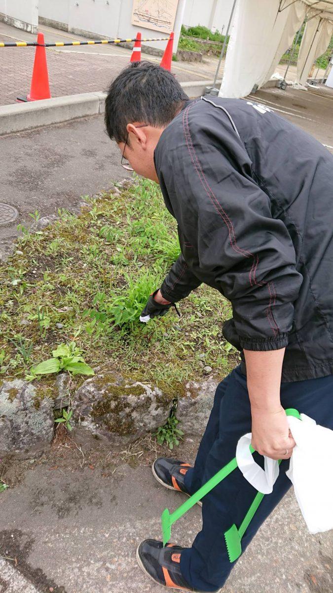 艸原祭ゴミ拾いを実施いたしました。